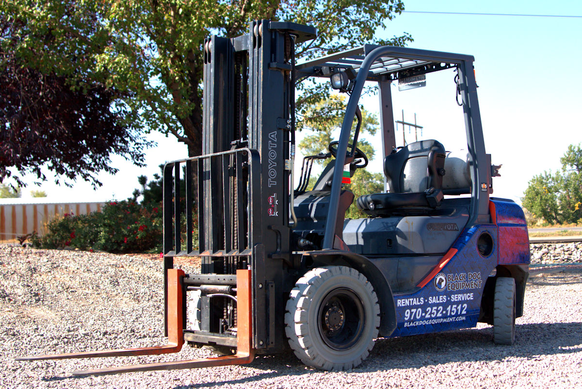 Warehouse Forklift for Rent in Montrose CO